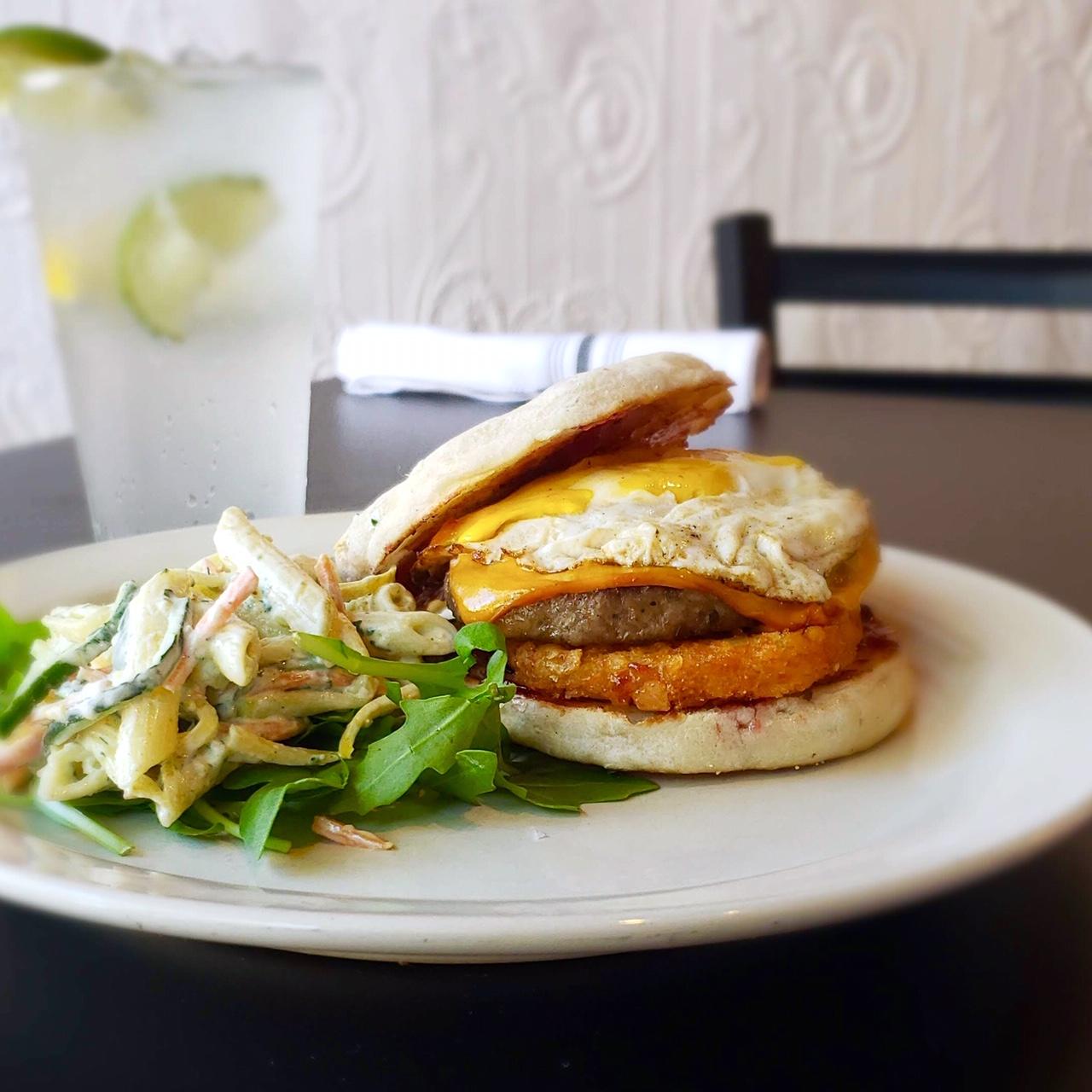 sandwich-lunch-holland-waverly-stone