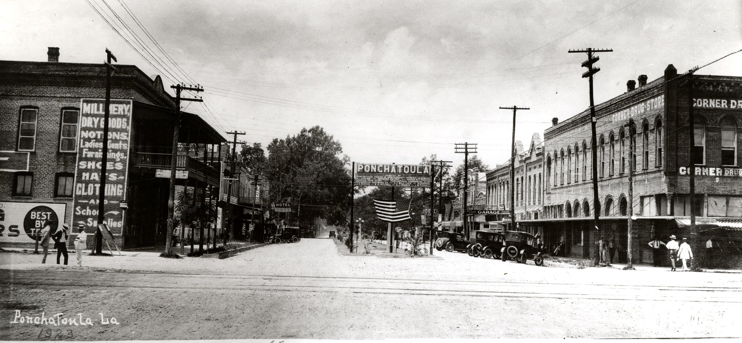 Downtown Ponchatoula, 1923 (photograph courtesy of the Judge Leon Ford Collection at the Center Southeast Louisiana Studies at Southeastern Louisiana University)