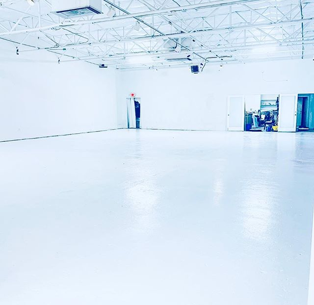 "No more old tile!! Check out the new ""Ice White"" Epoxy we just finished in the main space!! We are now open booking events, shoots, and much more.  #allwhite #luxury #dallas #events #design #luxury #popup #white"