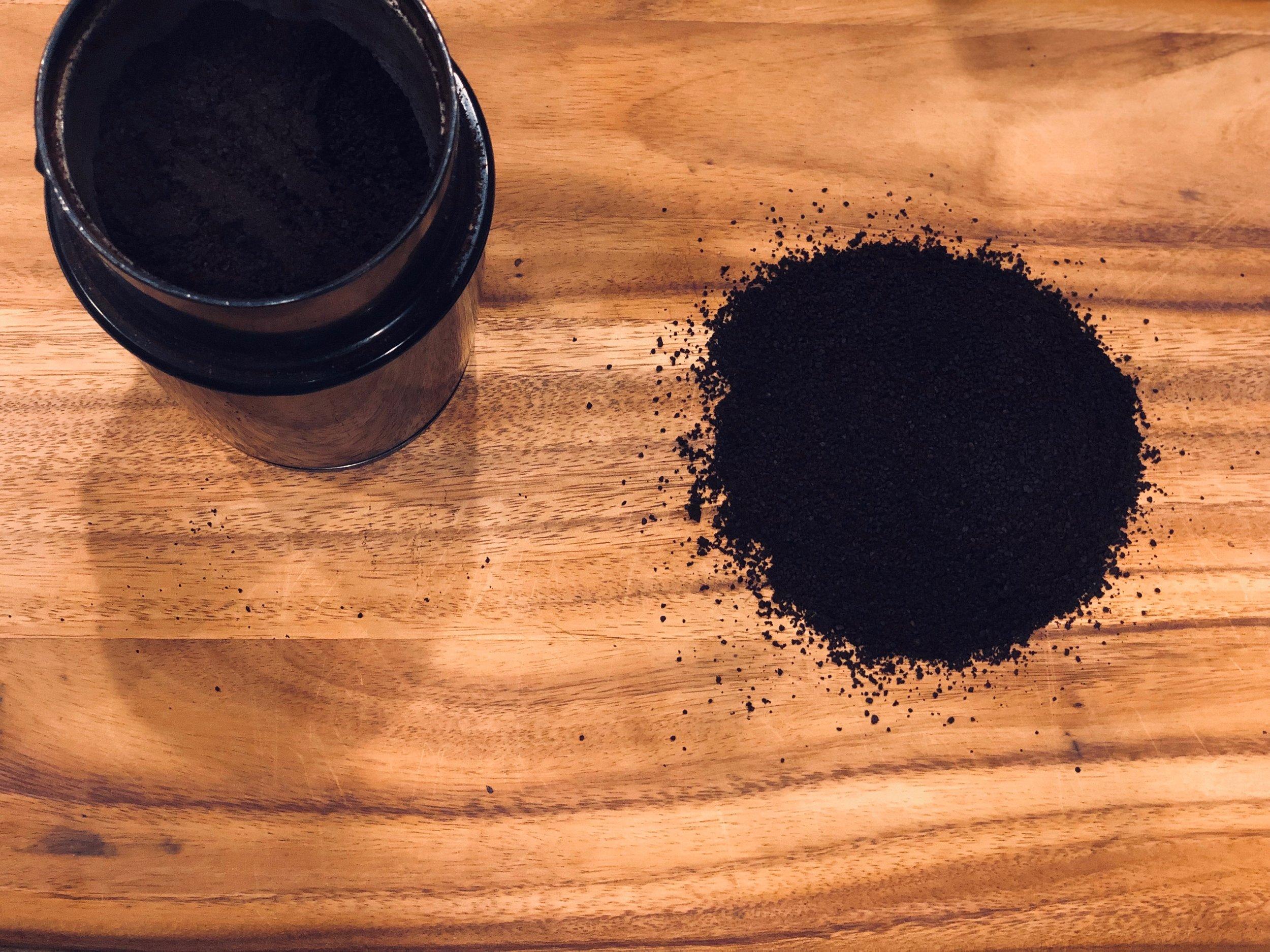 COFFEE GROUNDS.JPG