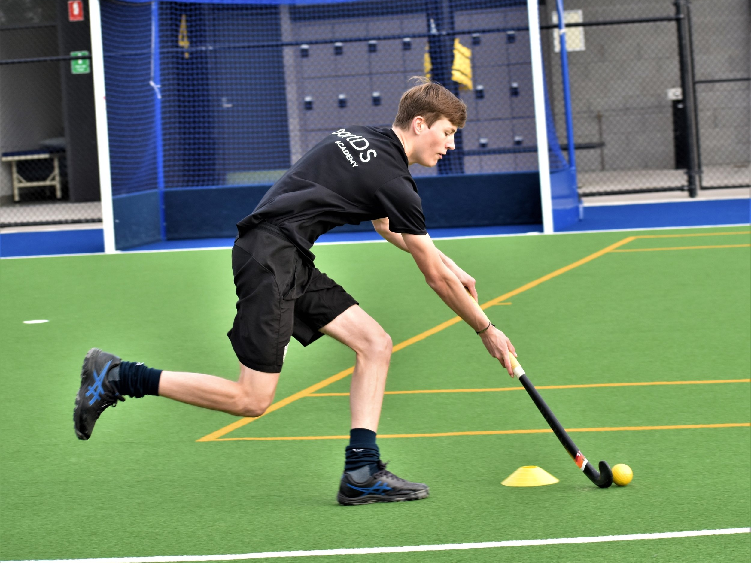 Technical Sessions - Develop your stick skills, decision making and game tactics in pitch sessions at one of our inner city locations. Learn the skills you need for the position that you play.