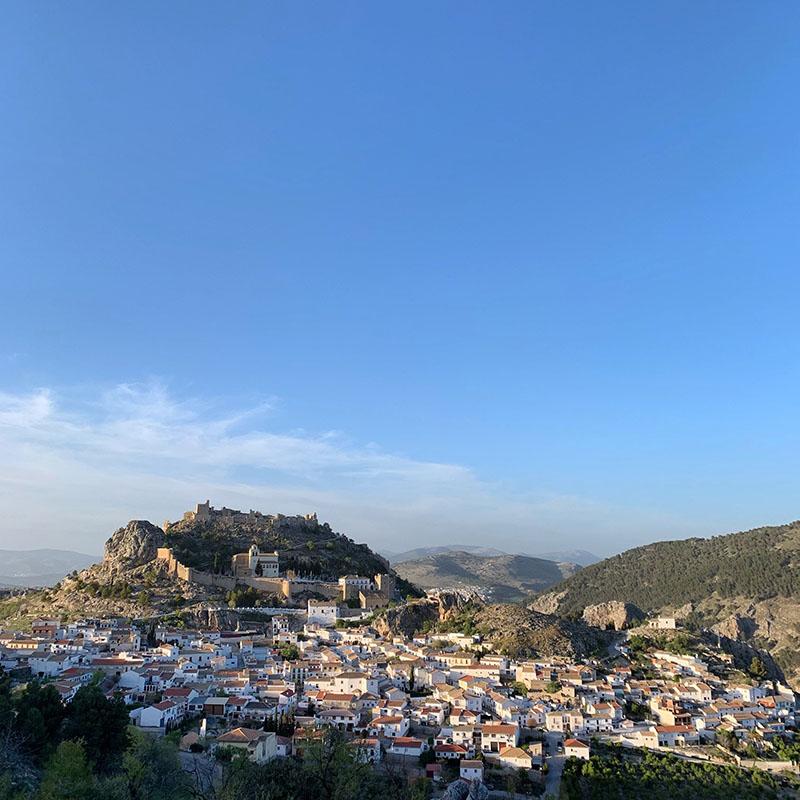 Moclin village and castle.jpg