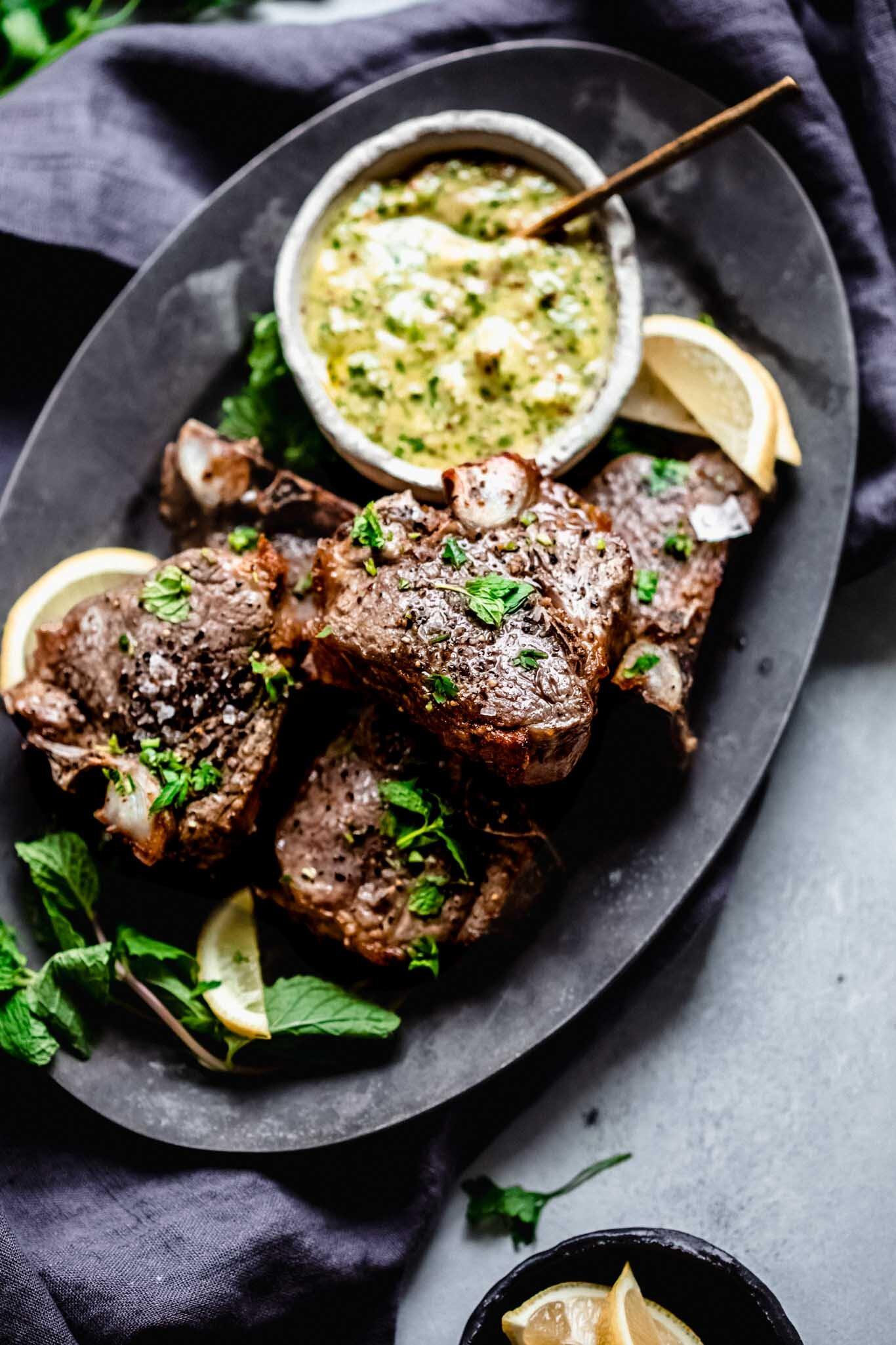 lamb chops with wholegrain mustard Broiled (or Grilled) American Lamb Chops with Mint Mustard Sauce