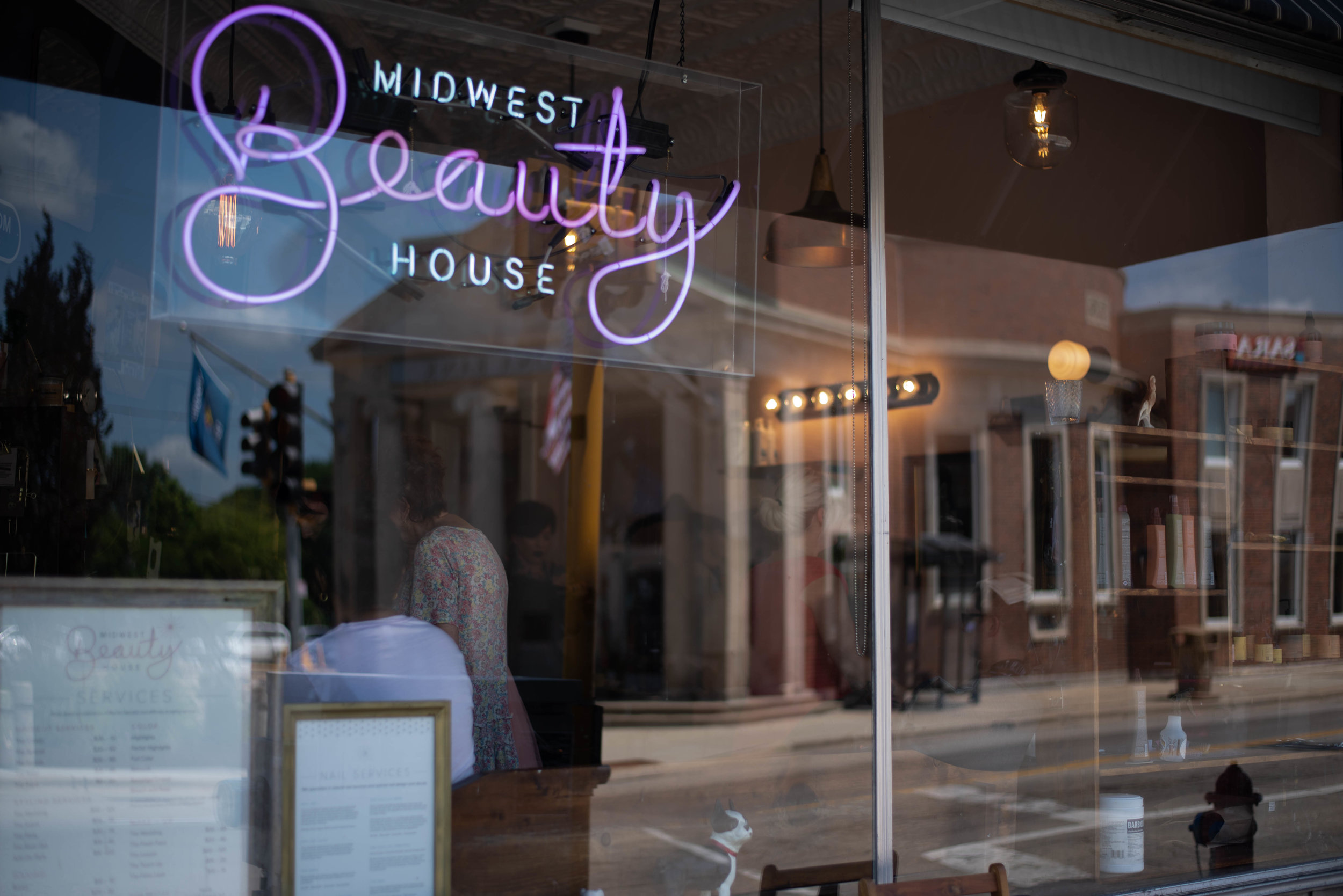 MISSIONWe aspire to be your home for beauty. Our artists and the people we take care of are the most important part of our business and always will be. We believe that beauty is a vital part of all people—at MBH we support that beauty. We believe that fashion is a form of self-expression and art, and that style can exist apart from a materialistic society, as beauty is not grounded in vanity. Whole beauty is important to us, which is why we take an external and internal approach. For this reason, MBH offers products and services that focus on all areas of building a beautiful life. -