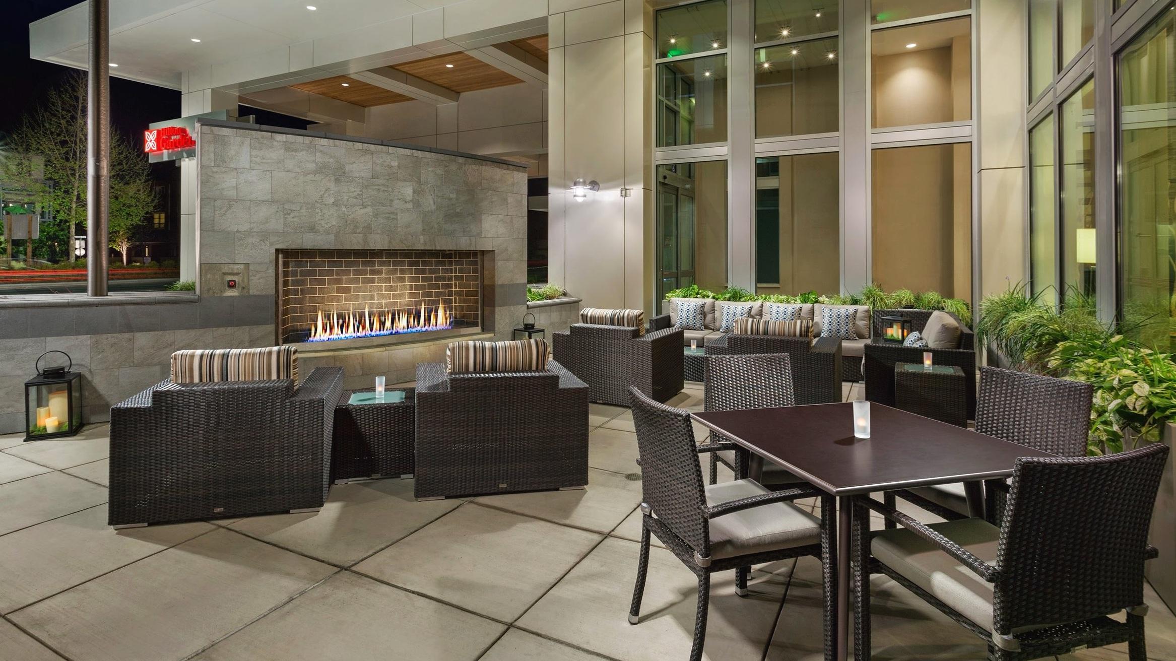 Patio at Hilton Garden Inn, Palo Alto