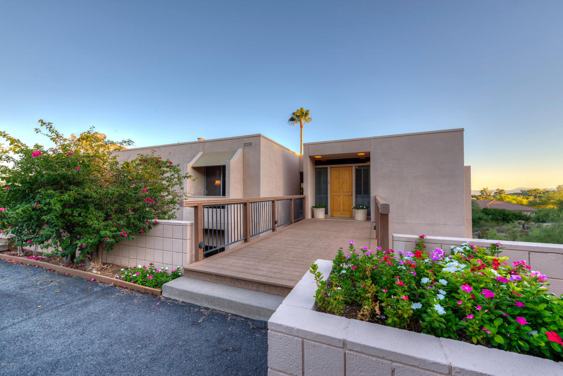 4237 E Highlands Dr, Paradise Valley | $975,000