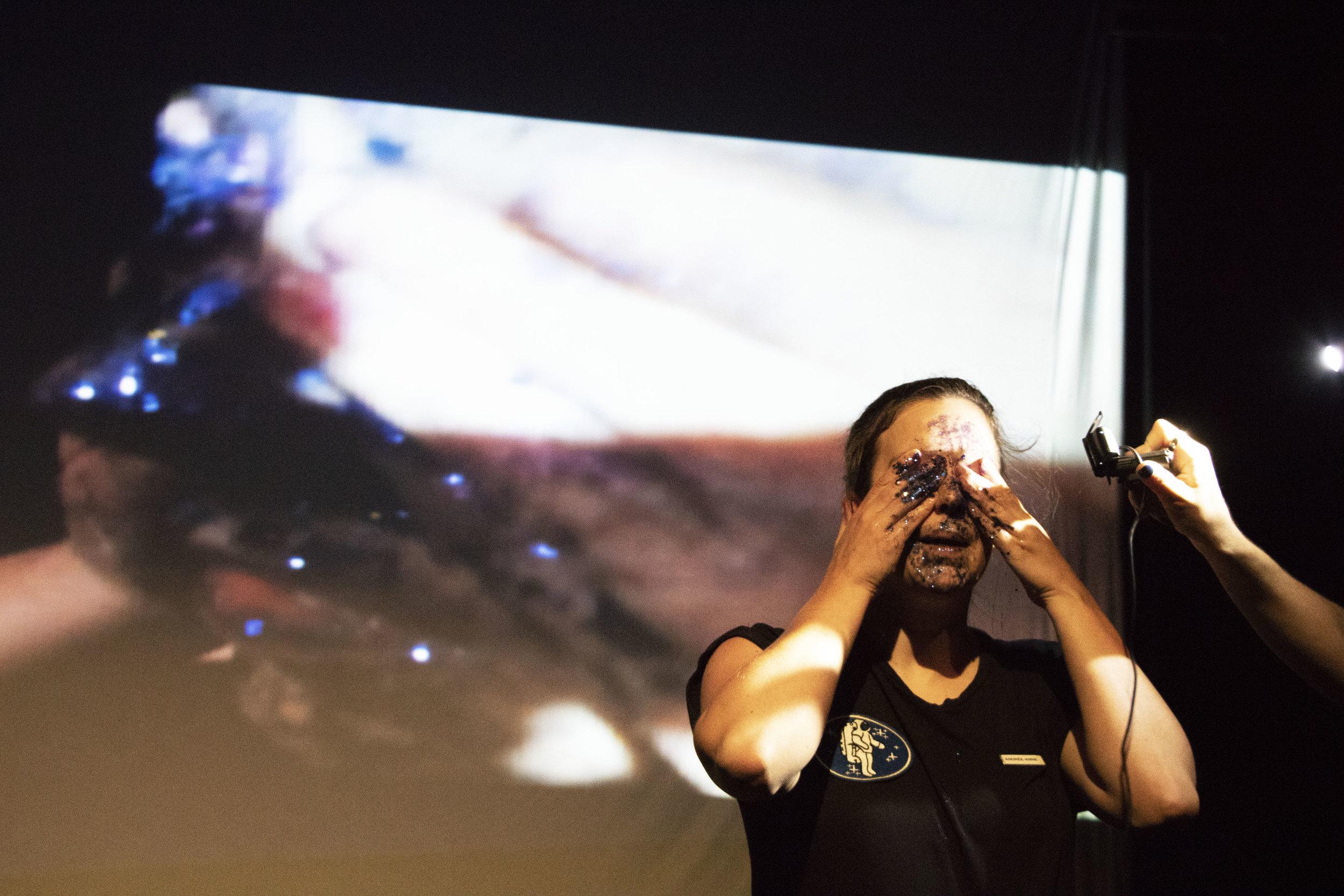 Projection en direct, avec Andrée-Anne Giguère.