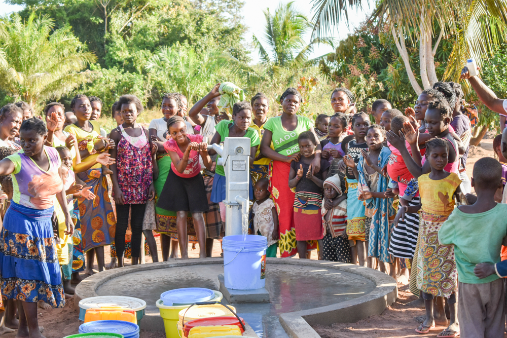 160,800 people inrural villagesnow haveclean, safewater! - Each wells serves approximately 1200 people .