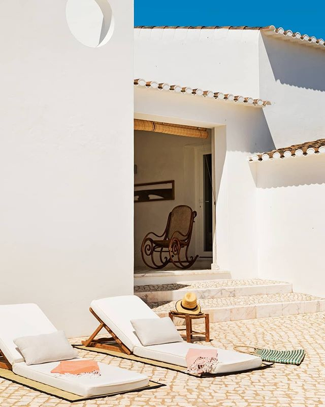 Dá Licença in the Alentejo region of Portugal has been transformed into a sprawling estate of sail-white villas.⠀⠀⠀⠀⠀⠀⠀⠀⠀ When we book you in one of the four luxury suites at this one-of-a-kind property, you will enjoy a remarkable⠀⠀⠀⠀⠀⠀⠀⠀⠀ experience, combining tradition with modernity and luxurious comfort.