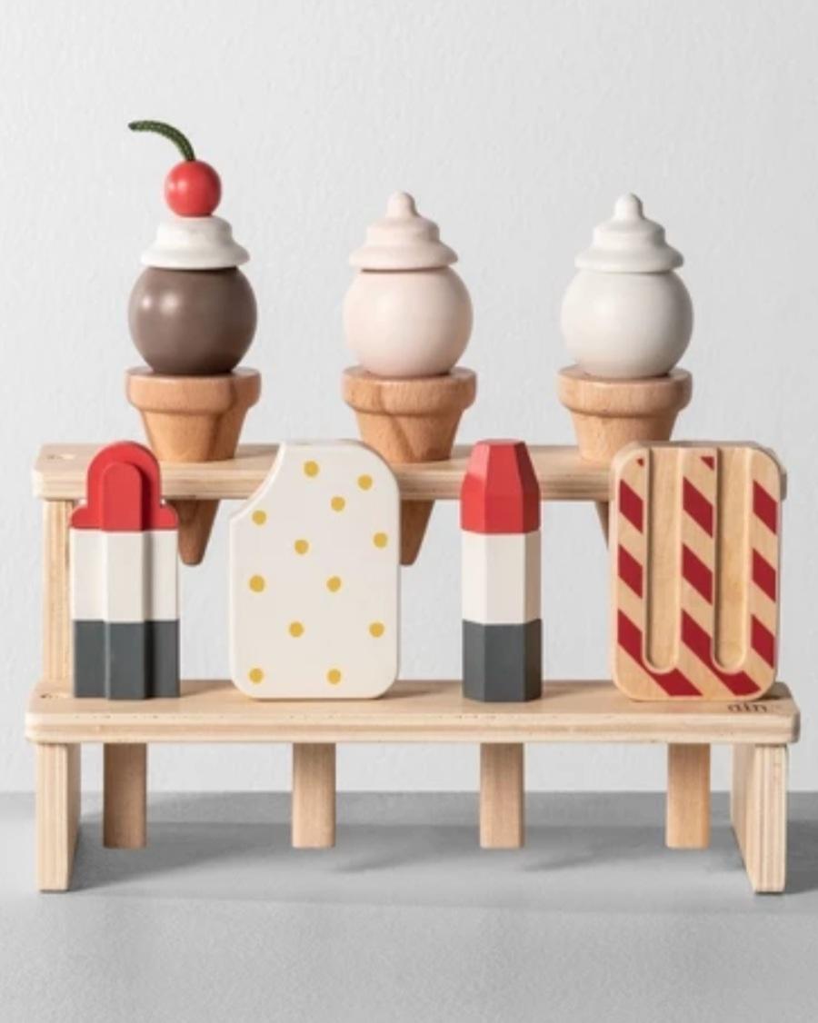 Eating veggies, ice cream accessories, and more -