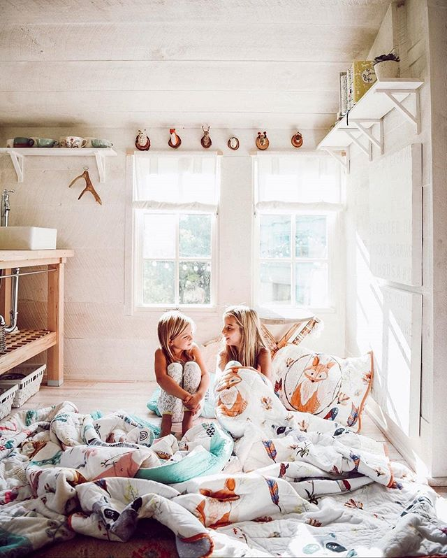 Bringing nature indoors one bedding set at a time 🦊 ||📸 : @anthropologie