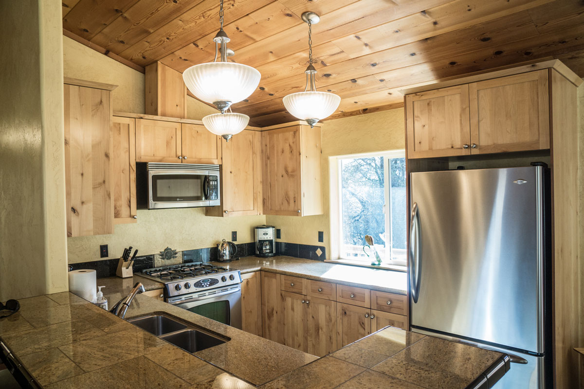 WisdomRetreat-kitchen-A6-8web.jpg