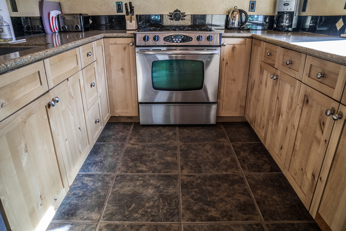 WisdomRetreat-kitchen-A6-11web.jpg