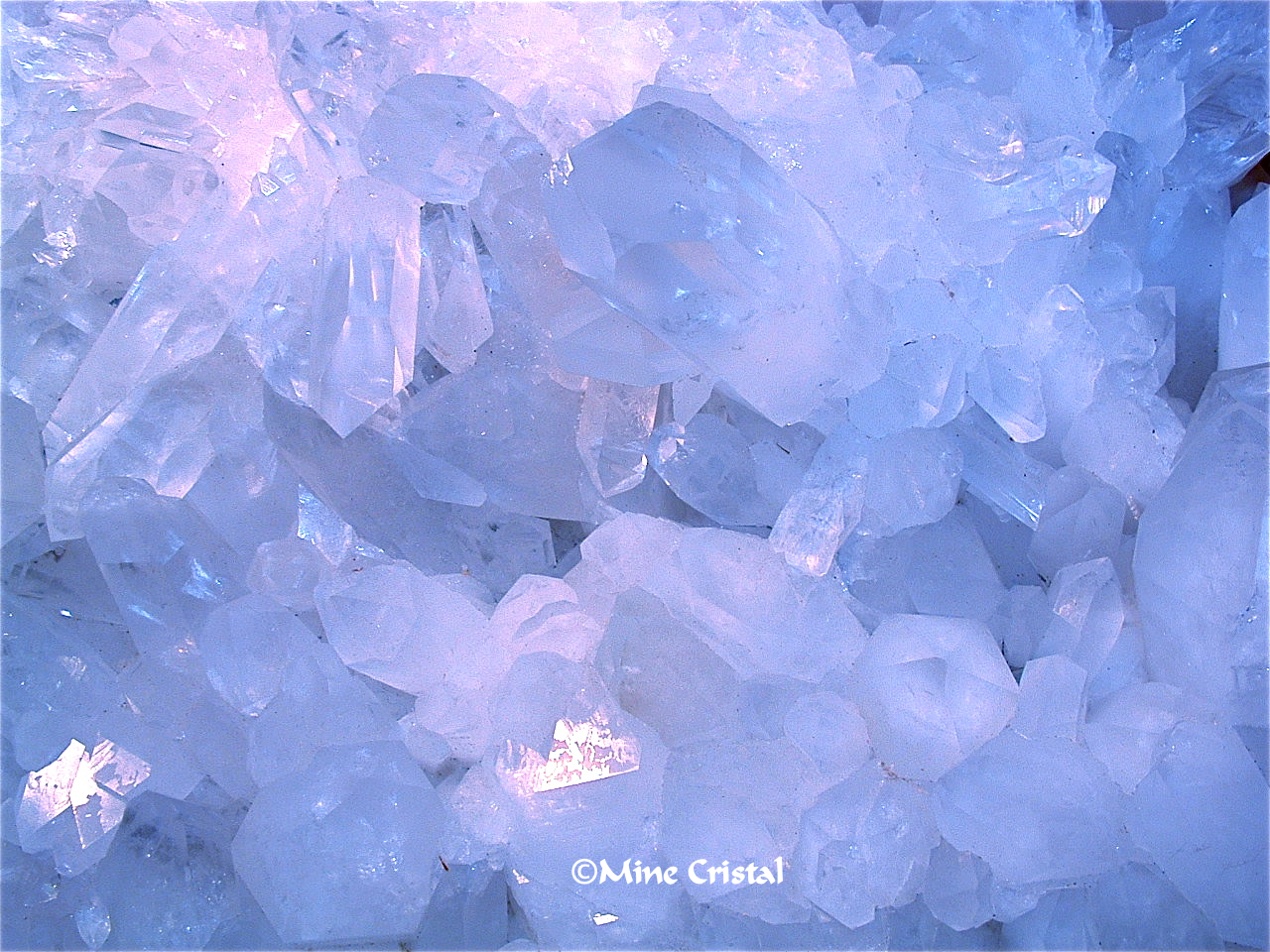 Closeup of a crystal from our crystal mine in Bonsecours, Quebec, Canada. Quartz crystals interact with all forms of energy, which they are able to receive, store, transform, amplify and transmit. This is due to their innate capacity to vibrate at many different frequencies.