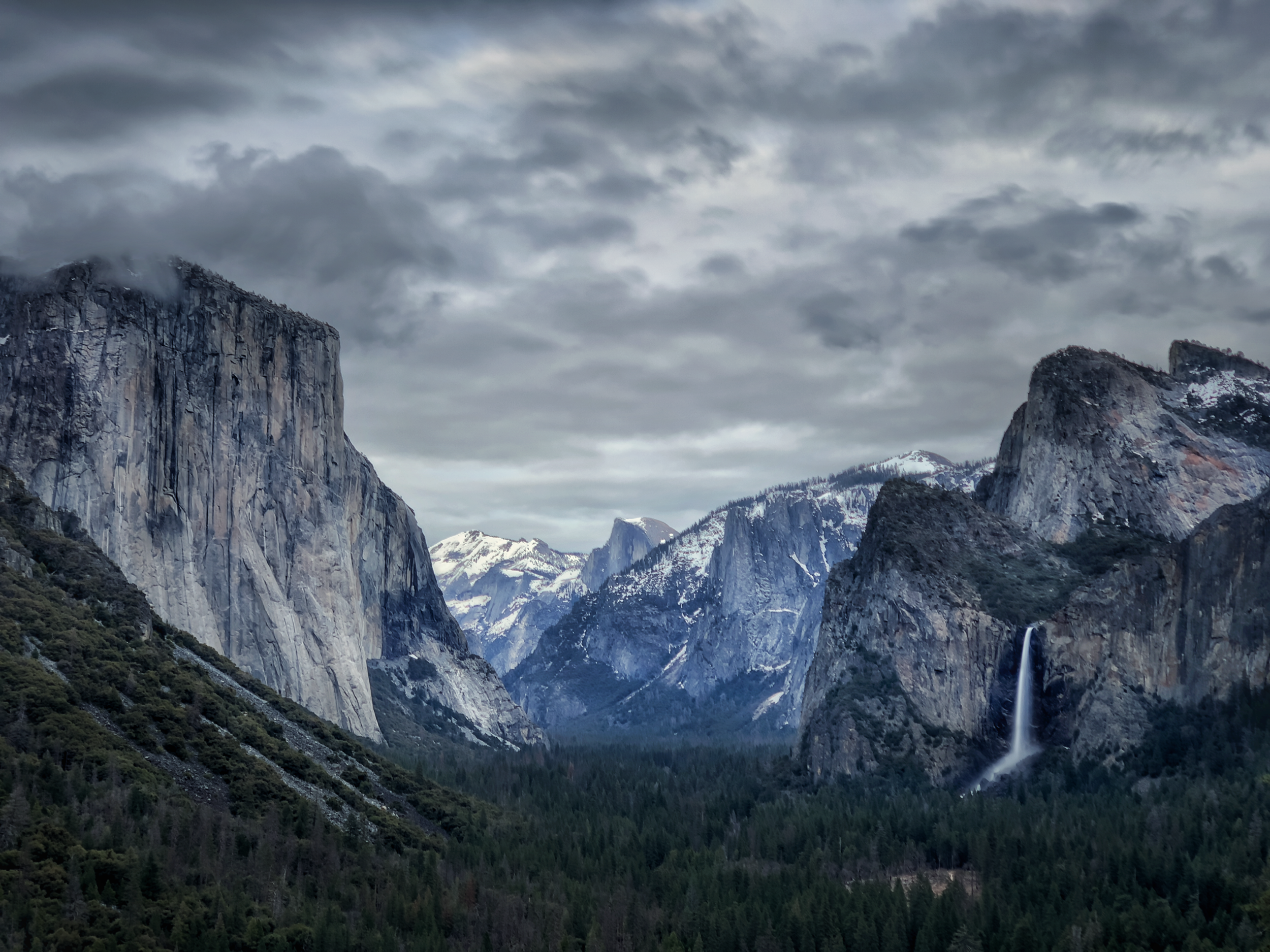Tunnel view @ Yosemite national park