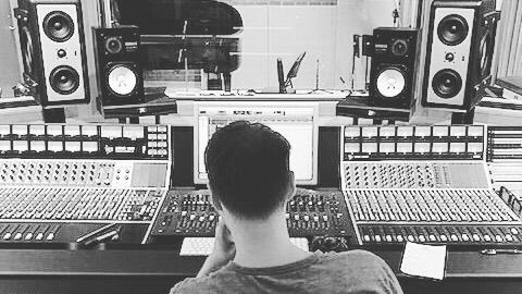 Getting some recording done @monarchstudios #newmusic #2019music #canadianmusic #newalbum #studiolife #rockpop #rockandroll #vancitymusic #canadianmusician #singersongwriter #vancouvermusicscene #city #yvrmusic #indiepop #newsingle