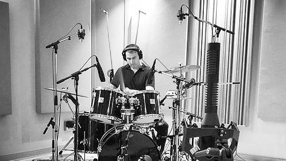 Working on some new tunes @monarchstudios 🎧 #newmusic #canadianmusic #newalbum #studiolife #rockpop #instadrummer #vancitymusic #canadianmusician #singersongwriter #vancouvermusicscene #city #yvrmusic