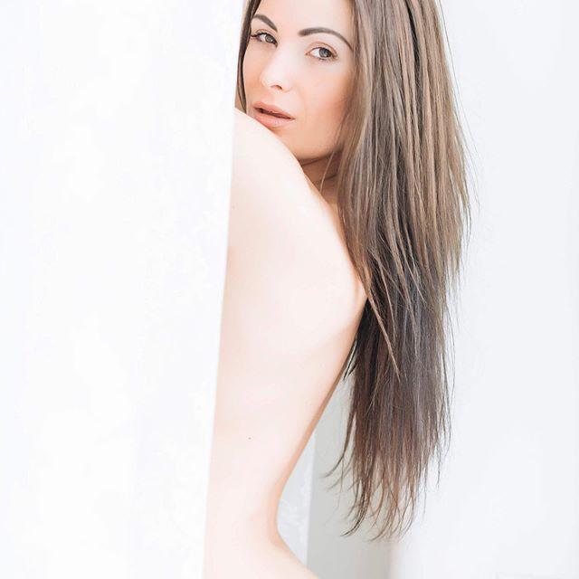 ♣️ @_kianasabo_ soon on Gosh Club new website 🙌📷 ⠀ .⠀ .⠀ .⠀ #art #nude #nudephotography #photoart #onlineart #nudephotography #eroticart #erotica #artist #fineartphotography #girls #woman #adult #eroticphotography #erotic #nsfw #topless #sensual #hot #photoshoot #shooting #instagood #serie #censored #freenipples #model #beauty #sexy #glamour #body