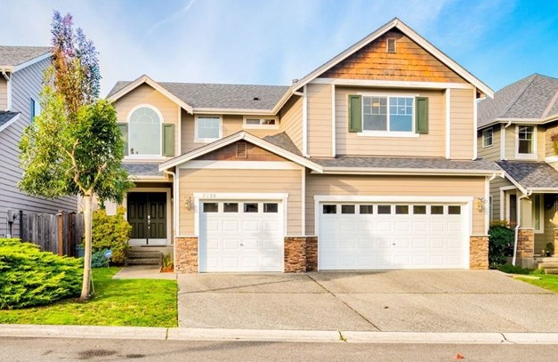Represented Buyer | Kenmore, WA | SOLD for $798,000