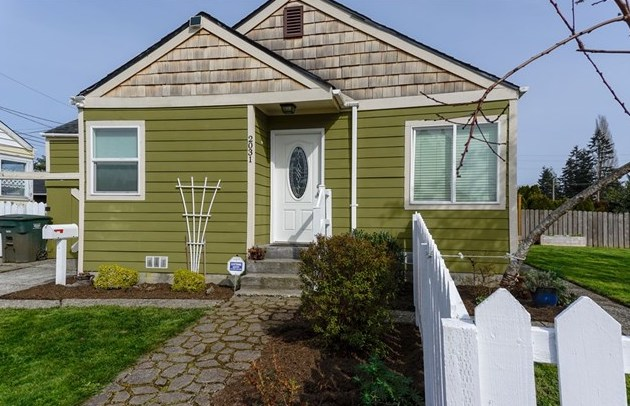 Represented Buyer | Everett, WA | SOLD for $306,000