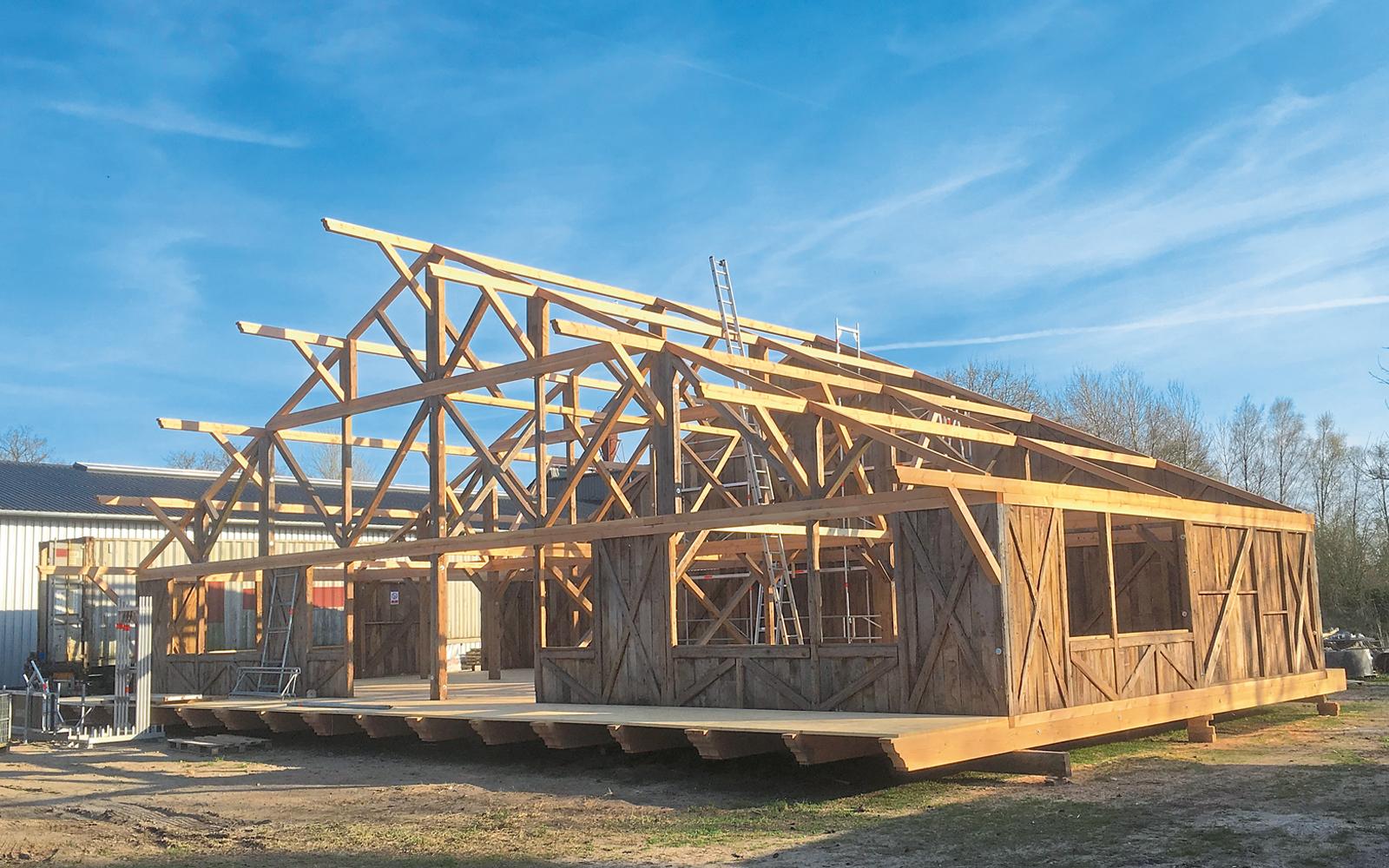 Auch große zusammenhängende Holzkonstruktionen werden in der Zimmerei gefertigt.