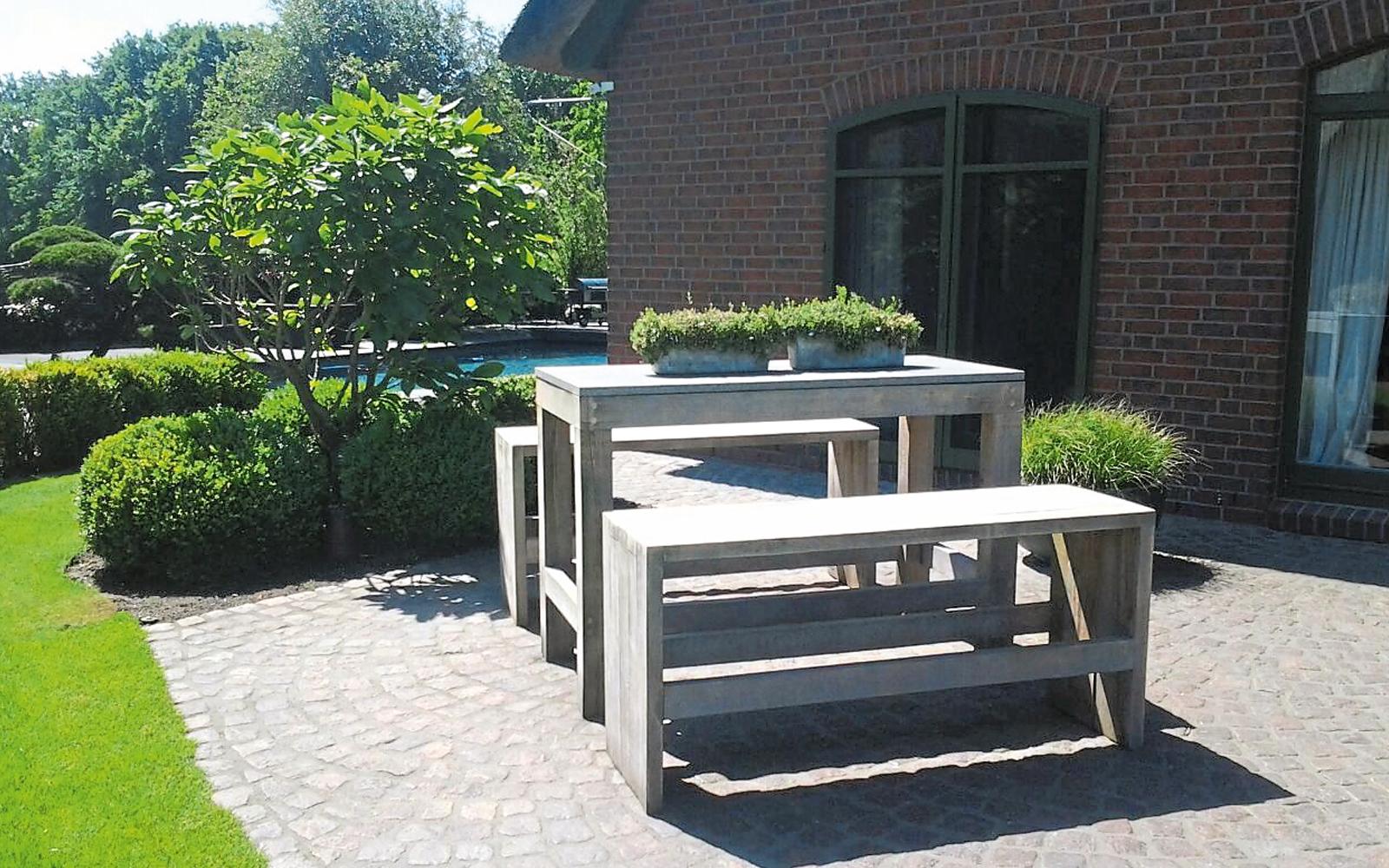 Gartenmöbel aus der eigenen Zahlmann-Produktlinie.