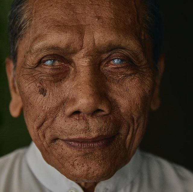 During a reportage on retinopathy education and screening I met this man, blind for 20 years from unprotected welding. I was drawn to his open and calm mind. #whereisjesperwestley #yogjarta #SDG #blindness #helenkeller #portraitphotography