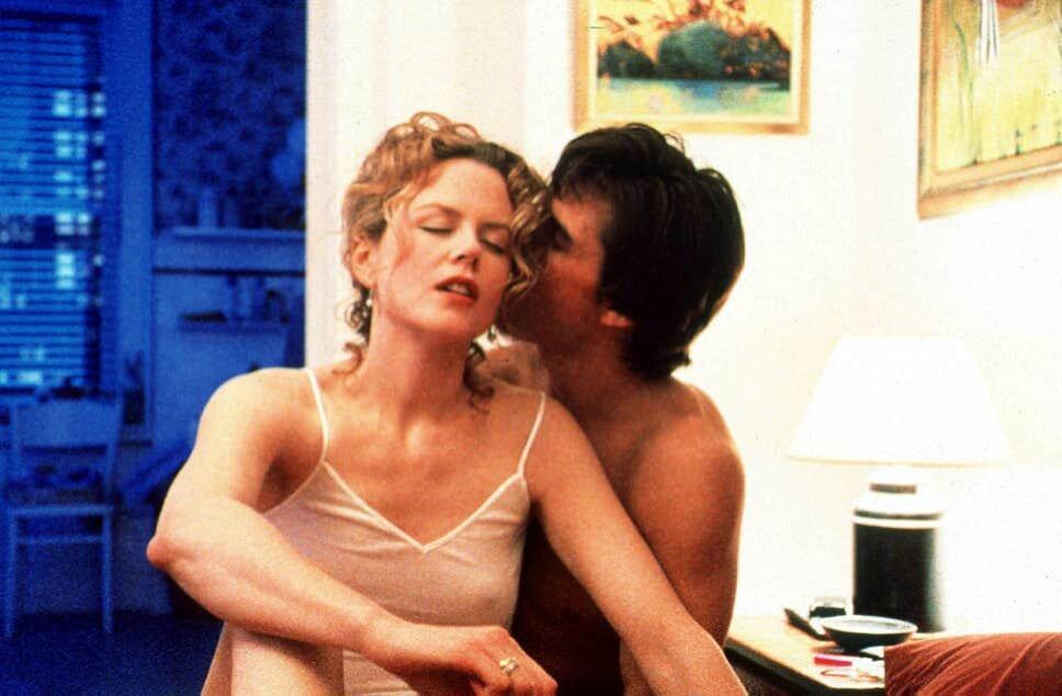 Nicole Kidman and Tom Cruise in Eyes Wide Shut ( Getty )