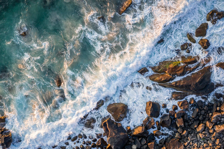 ilmakuva-uttakleiv-aallot-1500px.jpg