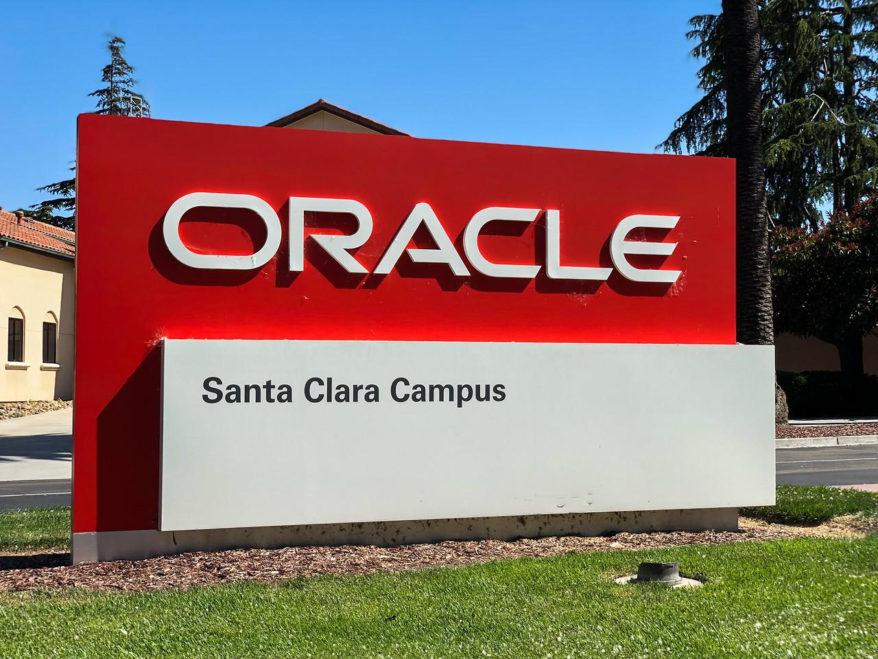Oracle Santa Clara.jpg