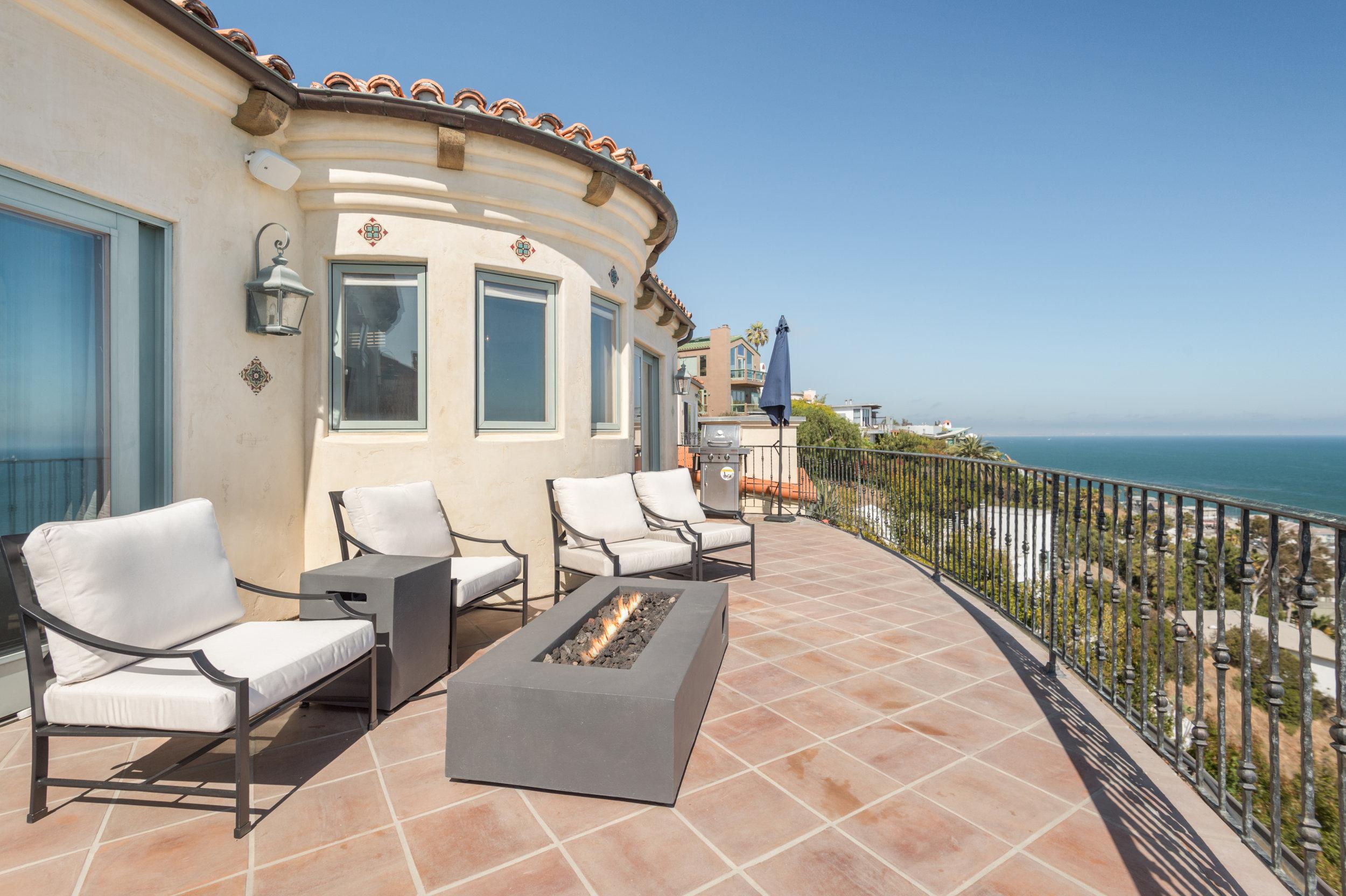 3942 Rambla Orienta Malibu, CA 90265 - View more