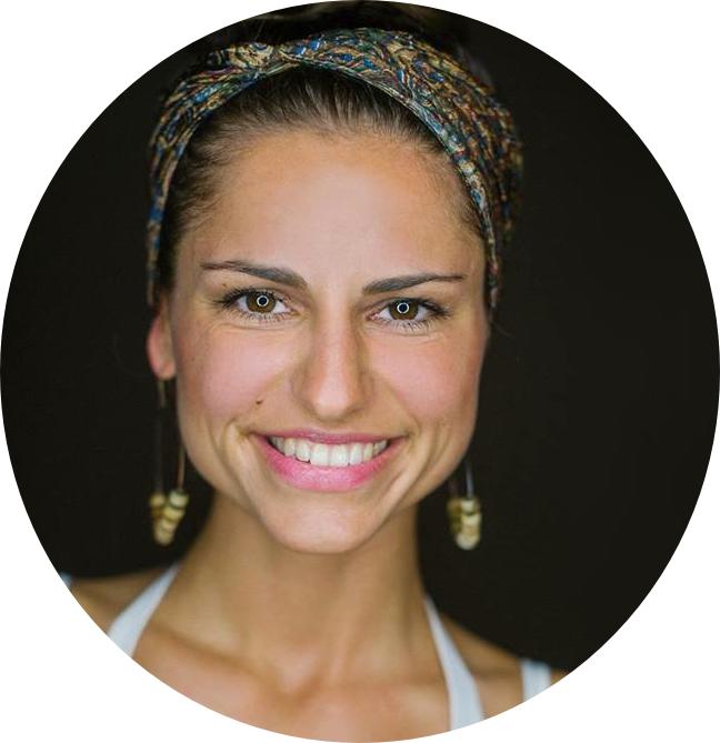 Ich habe drei wunderschöne, gänsehautreiche, herzerwärmende und motivierende Yogaausbildungswochen auf Bali verbringen dürfen. Es war – ohne darüber nachdenken zu müssen – die beste Ausbildung meines Lebens, denn die bezaubernde Liliana und der bewundernswerte Sathya ermöglichen es einem nicht nur von Yoga zu erfahren, sondern den Wert von Yoga zu spüren und bestenfalls zu leben. Es war eine Ausbildung voller bliss, passion, amazing knowledge und LOVE. Eine einzigartige Yogaausbildung geleitet und durchgeführt von ganz wundervollen Menschen! Ich bin mehr als dankbar dieses Yoga-Abenteuer erlebt haben zu dürfen und kann es nur jedem von aus weiterempfehlen! - -Lisa, Vienna