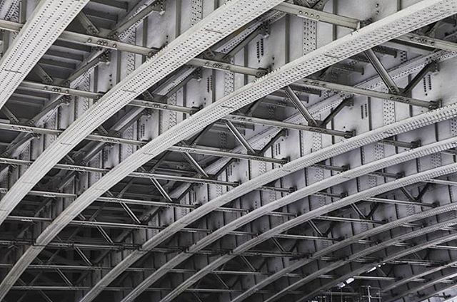 The complex structure of the underside of Blackfriars Bridge in London provides the subject for this monochrome abstract image from @lydiafox_photography . . . #sheclicksnet #femalephotographers #women #photography #abstractphotography #blacksandwhitephotography #monochrome #architecturalphotography #structuralengineering #bridge