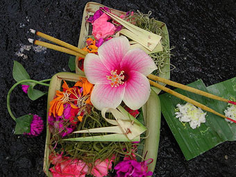 bali-offering