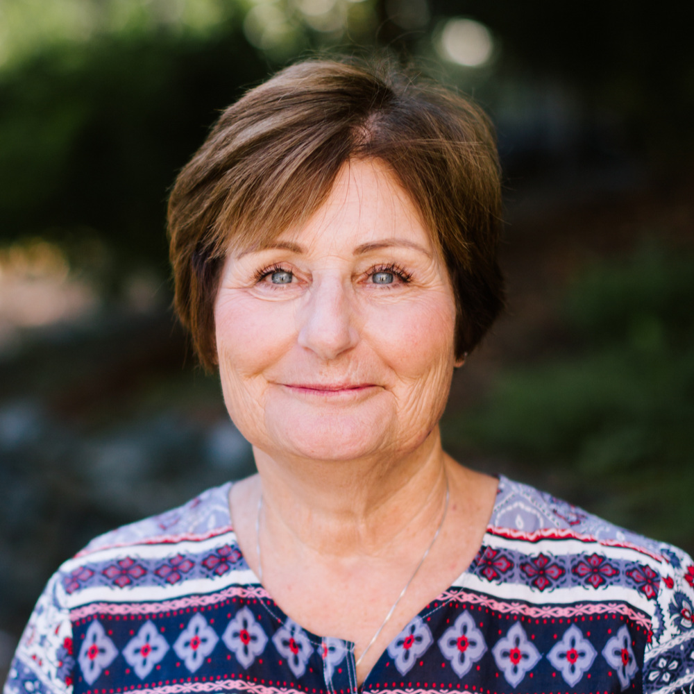 Anne Cogan  Administrative Assistant (Snoqualmie)  snoqualmie@sjsissaquah.org
