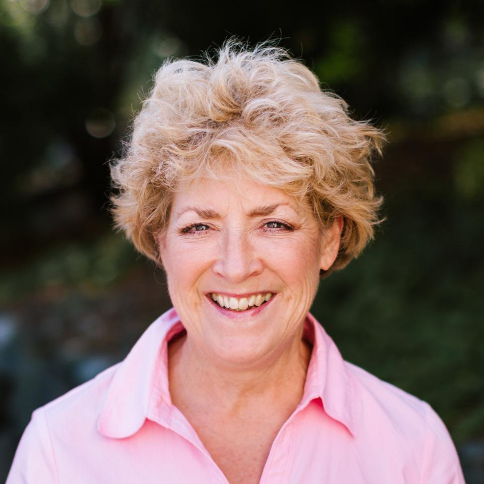Donna Glaze  Preschool Aide and Extended Care  dglaze@sjsissaquah.org