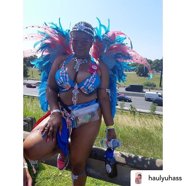 Posted @withrepost • Birthday girl & curator of bomb playlists @haulyuhass screwfacing the stormers in our mermaid tings waterproof fanny pack💗💙 #caribana2019 #masfuhso #TeamSaldenah . . . . . #toronto #torontocaribbeancarnival #caribana2019 #caribana2k19 #carnival #carnivalist #carnival2019 #trinidadcarnival #cropover #miamicarnival #atlantacarnival #hollywoodcarnival #caribbeangirls #carnivalcostume #explorepage #islandmix #followsoca #westindimade #mondaywear #badgyal #hotgirlsummer #socamusic #caribbeangirlsrock #caribbeangirlsrunit #caribbeanfashion #shoppingonline #instagood
