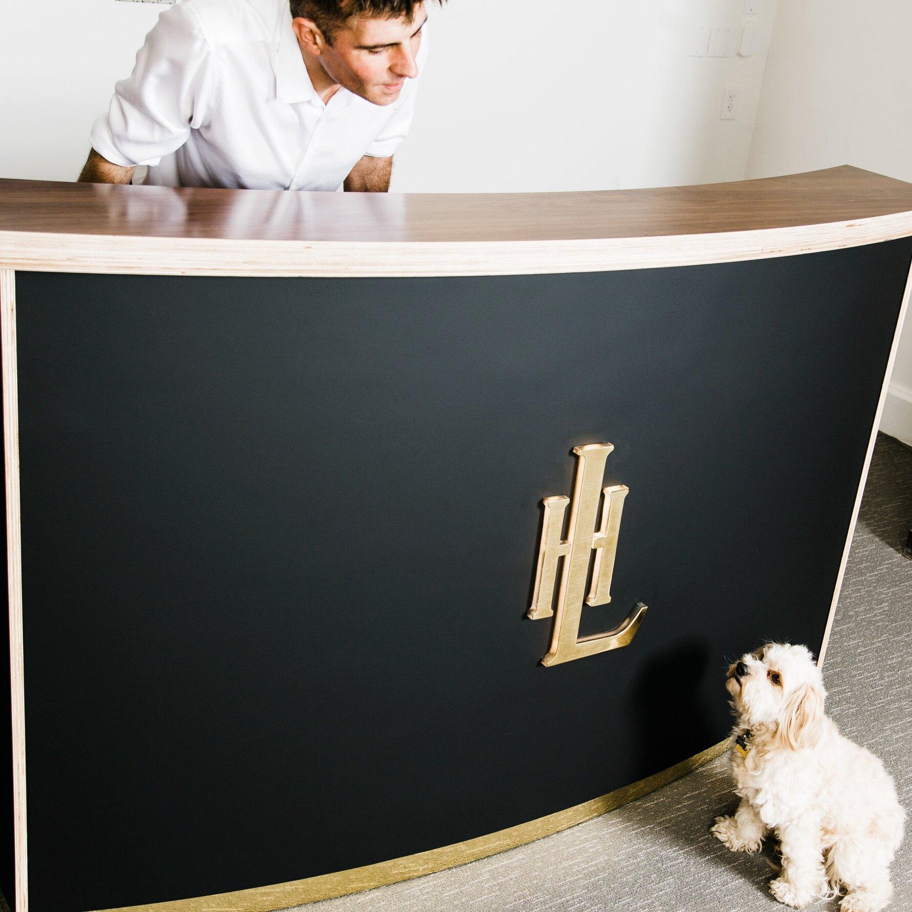 Hotel+Leo+Front+Desk-21.jpg