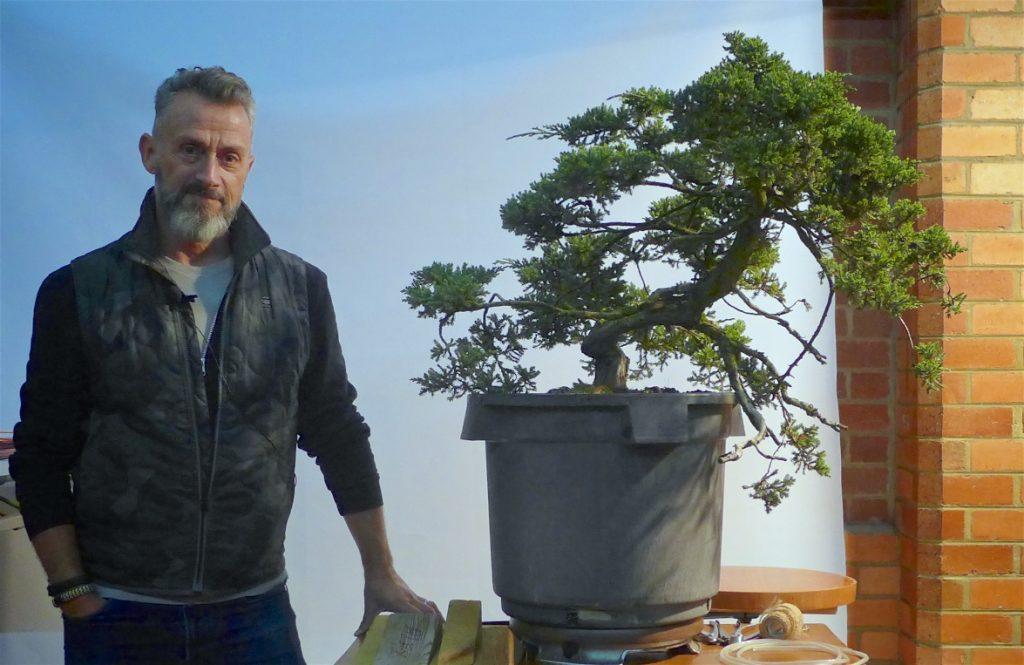 Rui Ferreira with the Demo tree before any action - Juniperus squamata