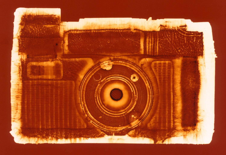 AF-5 (orange),  Penelope Davis, 2003, type c print, 76x102cm