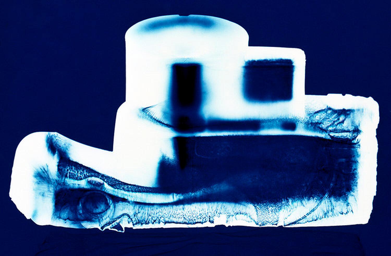 Instamatic (blue),  Penelope Davis, 2003, type c print, 76x102cm