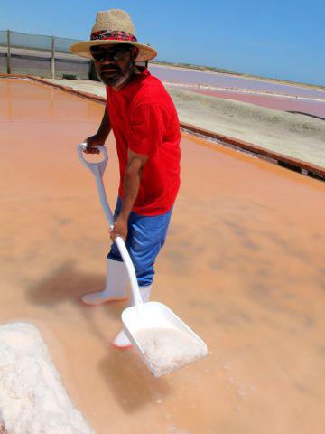 Khoisan Mitarbeiter - Khoisan setzt sich in Afrika vor Ort für faire Arbeitsbedingungen ein.
