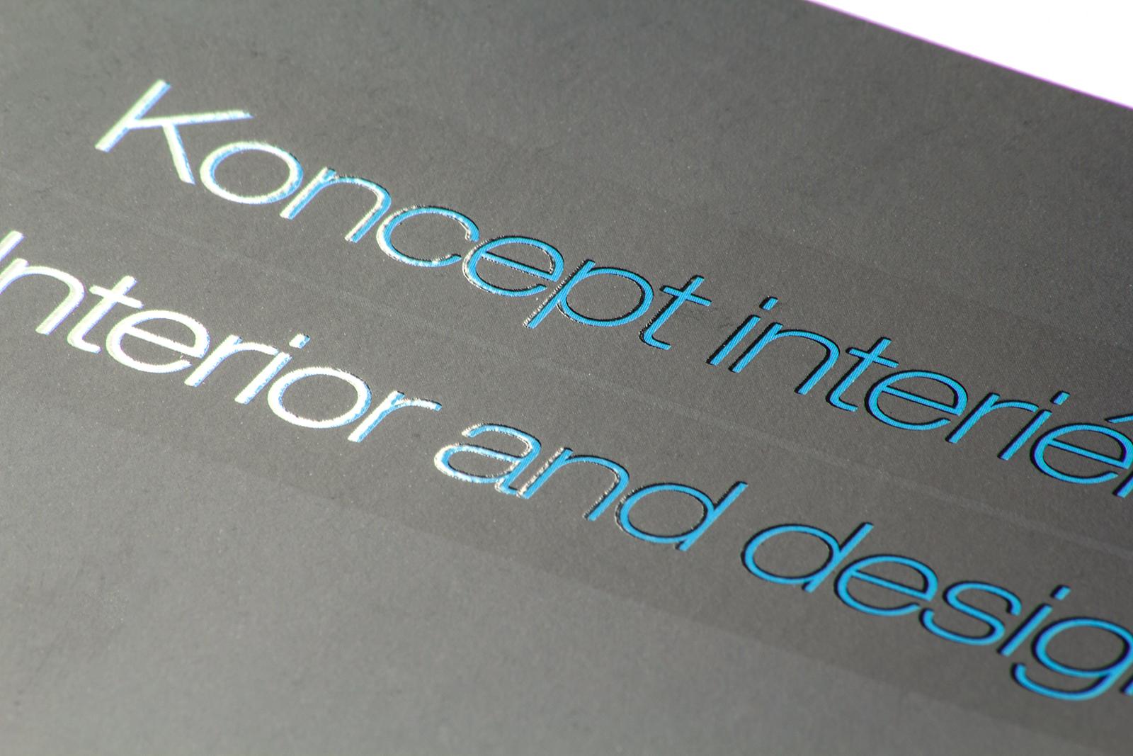 UV lak na vnitřních listech brožury -