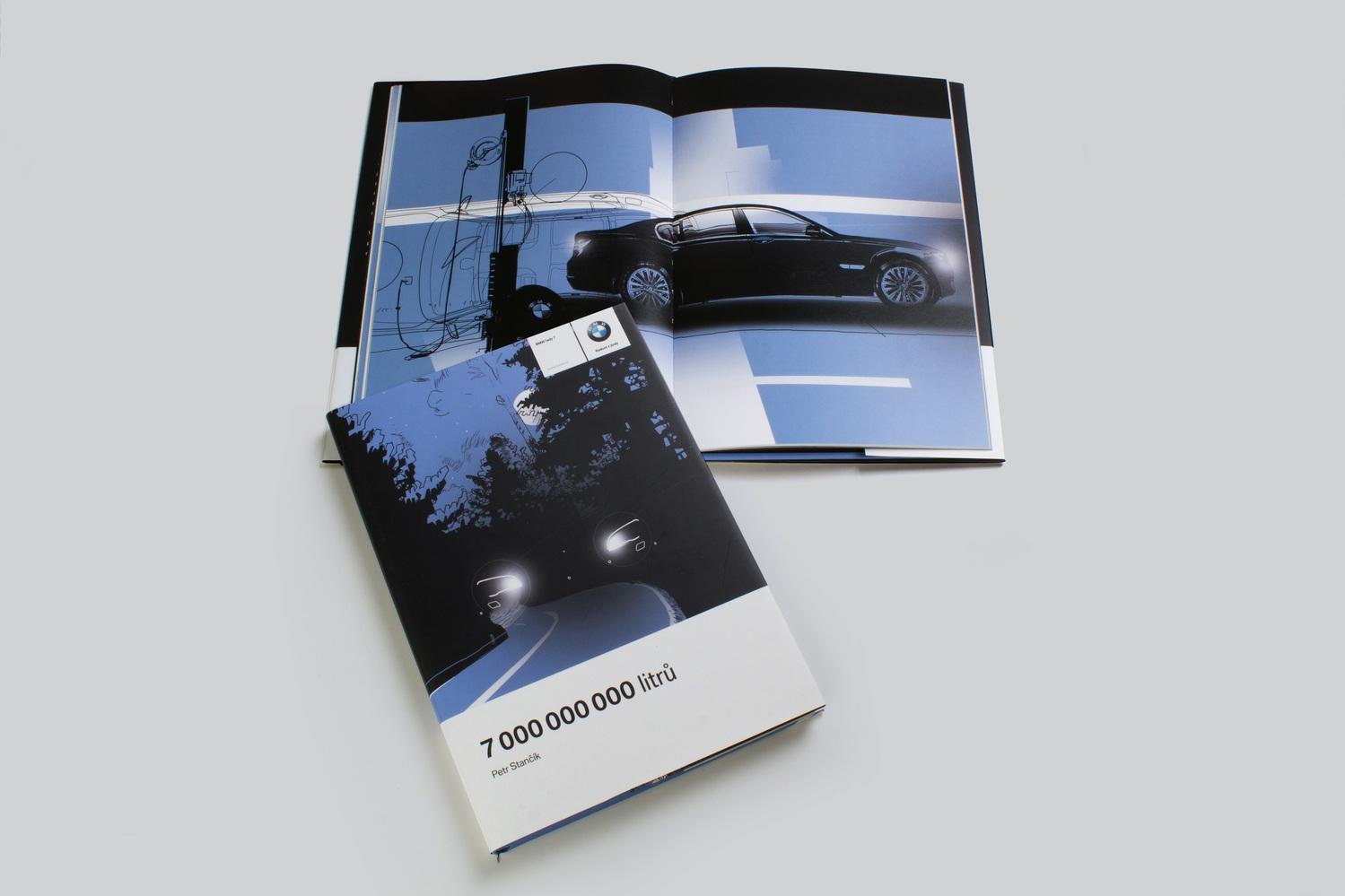PERSONALIZOVANÉ KNIHY jakoPOZVÁNKA NA VYZKOUŠENÍ NOVÉHO BMW 7 - Před začátkem kampaně jsme vyrobili 1.000 kusů pro 1.000 pozvaných zákazníků. Majitelé starších BMW obdrželi knihu s jejich jménem a příjmením v detektivním příběhu. Jejich jméno je na přebalu, potahu a na vnitřních stranách knížky.