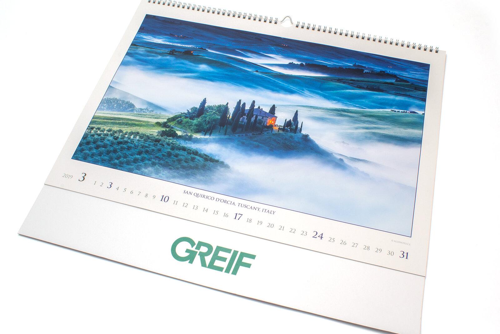 Nástěnný roční kalendář -