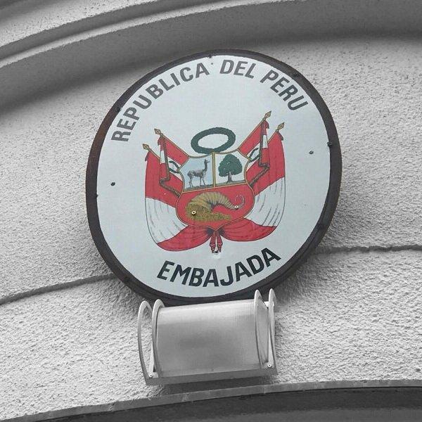 Plechové Logo na fasádě -