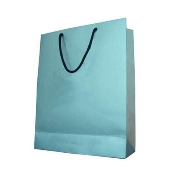 tašky z barevného papíru -