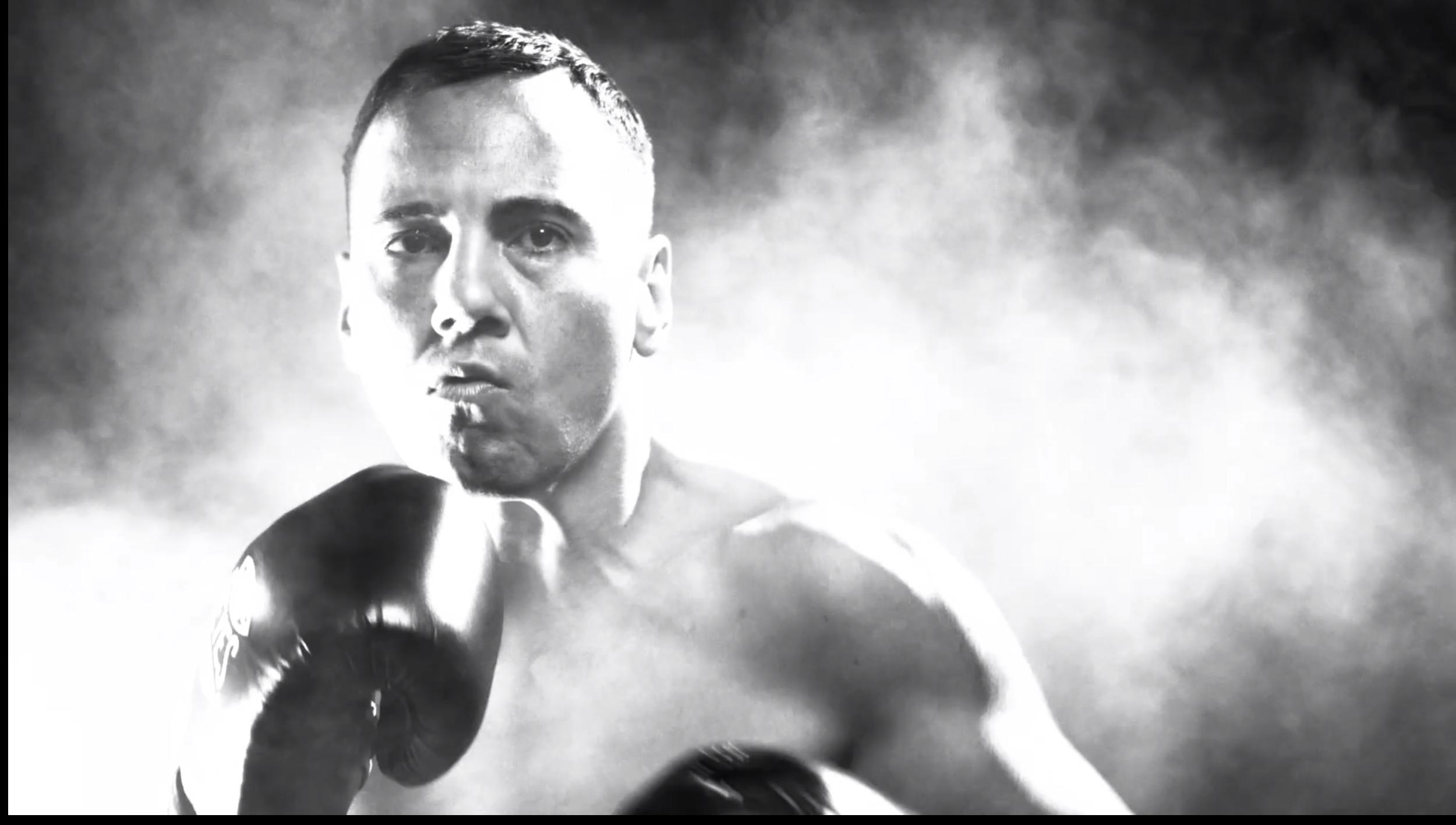 """Ricky Colosimo - オンラインコンテンツ制作物:スチール / 映像""""Ricky Colosimo=リッキー・コロシモ""""は、強い心とスピードを兼ね備えたボクサーの中のボクサーの記録。強い気持ちでトレーニングを重ね、明日などないかのような闘いぶりを見せる姿が印象的だ。"""