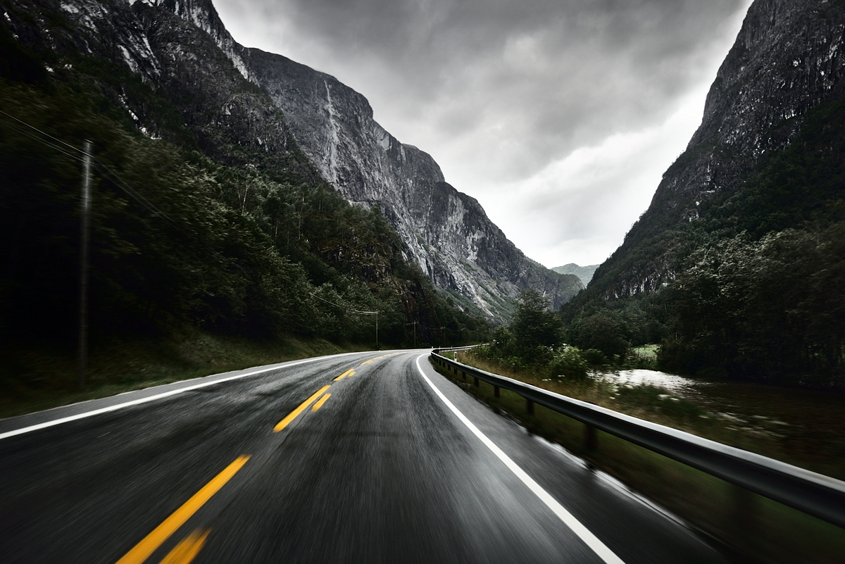 www.alexstemmer.com_blog_2016_road_Norway34.jpg
