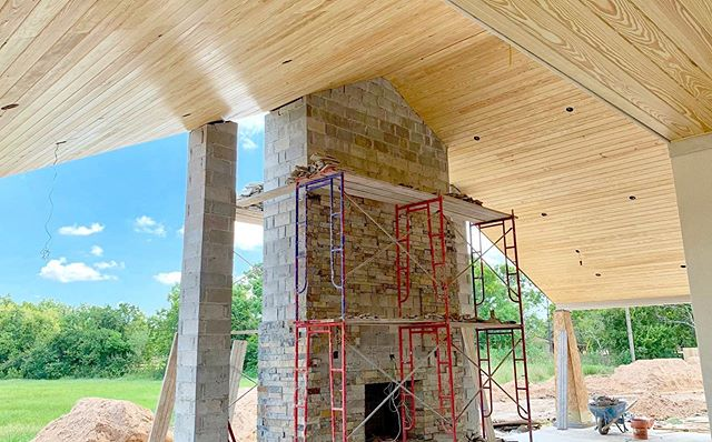 Imagine cool fall nights by the fire on this back patio. #workinprogress #anvilengineering #customhomes #houstoncustomhomes